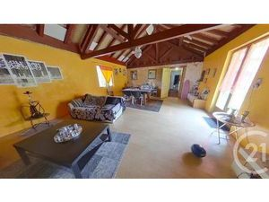 Vente maison 7 pièces 217m2 Bérenx 64300 - 80000 € - Surface Privée