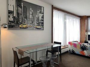 LOCATION MEUBLEE LODGIS (Référence : 11520900) : Rue Frémicourt  Studio Meublé au 8ème éta