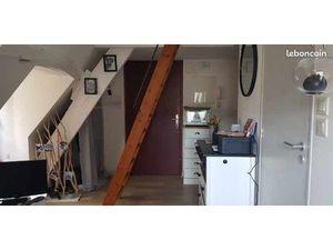 Solidor  loue studio/appartement en duplex à l'année