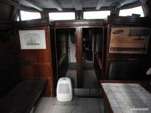 Habitat dans un bateau au bassin a flot