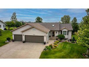 Résidentiel à vendre  Maison individuelle 1724 6th Avenue NE  Beulah  Dakota du Nord 58523