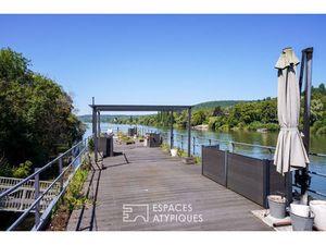 Péniche de Prestige en Vente à Triel-sur-Seine : Amarrée sur la rive gauche de la ville de