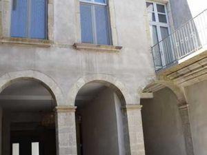 Hôtel particulier rénové du 17e de 765 m2 utile dans le centre historique de Carcassonne