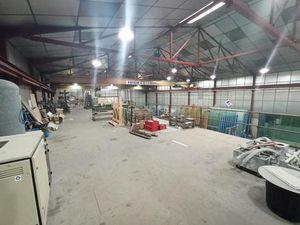 LOC. Local Industriel / Artis. / Stock - ZI NORD - 1.470 m²