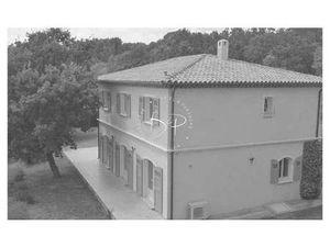 Maison de Prestige en Vente à Draguignan : A VENDRE  sur la commune de DRAGUIGNAN  dans un