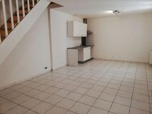 Annonce appartement location62 m² 3 pièces à Bordeaux Dans un immeuble en pierre au coeur