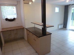 Annonce appartement location39 9 m² 2 pièces à La Lande-de-Fronsac Fronsadais avec jardin