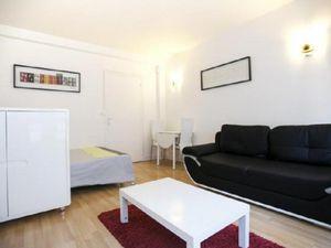 Studio meublé à Paris d'environ 25 m²  situé rue Carrier Belleuse dans le 15ème arrondisse