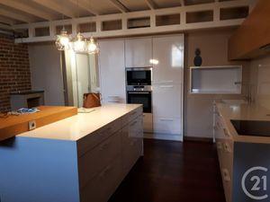 Appartement loft à louer de 4 pièces et de 142 m2 à ALES