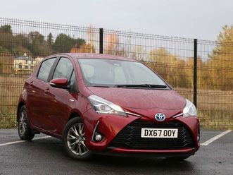 toyota yaris hatchback 1.5 hybrid icon tech 5dr cvt