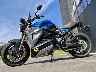 esseesse9 * elektrische moto* dc fast charging!*