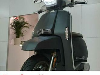lambretta-v-200cc-special-modern-classic-retro-automatic-scooter-moped-for-sa