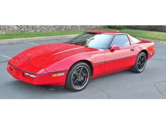 1990 chevrolet corvette zr1 https://cloud.leparking.fr/2019/05/24/03/01/corvette-c4-1990-chevrolet-corvette-zr1-red_6883304021.jpg --