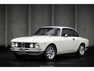 1969 alfa romeo gtv 1750 for sale https://cloud.leparking.fr/2020/03/05/01/23/alfa-romeo-giulia-gt-1969-alfa-romeo-gtv-1750-for-sale-white_7481981640.jpg --