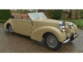 bugatti type 57 c https://cloud.leparking.fr/2020/03/28/00/22/bugatti-type-57-bugatti-type-57-c-beige_7510725056.jpg --