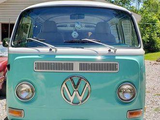 1970 volkswagen bus https://cloud.leparking.fr/2020/06/25/00/34/volkswagen-transporter-1970-volkswagen-bus_7653223371.jpg --