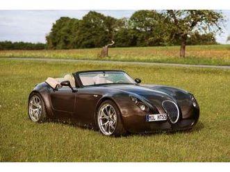 roadster smg-v 10 limitiert 21/43 https://cloud.leparking.fr/2020/08/07/00/17/wiesmann-roadster-mf5-roadster-smg-v-10-limitiert-21-43-braun_7709581961.jpg --