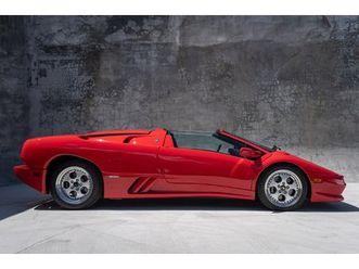 roadster https://cloud.leparking.fr/2020/09/10/22/00/lamborghini-diablo-roadster-red_7762180518.jpg --