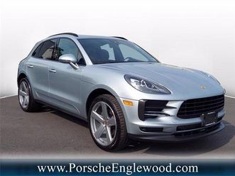 macan https://cloud.leparking.fr/2020/09/27/01/04/porsche-macan-macan-grey_7786821264.jpg --