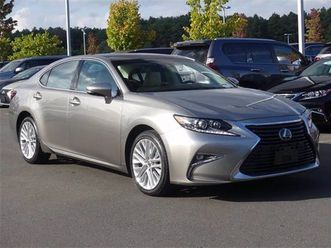 2016 lexus es 350 https://cloud.leparking.fr/2020/09/29/13/43/lexus-es-2016-lexus-es-350-grey_7790233408.jpg --