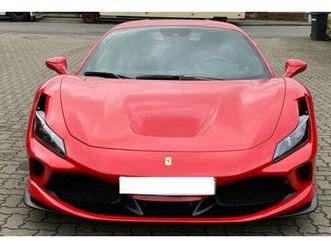 ferrari-f8-tributo-coupe-rosso-nero-carbon-display-lift
