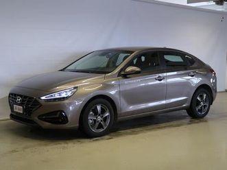 hyundai i30 fastback 1,5 t-gdi 159 hv 48v hybrid 7-dct-aut comfort vaihtoauto | autotie