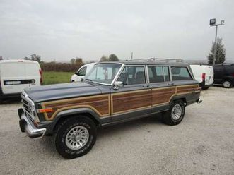 jeep wagoneer wagoneer 5.9 v8 limited