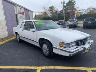 for-sale-at-auction-1993-cadillac-deville-in-carlisle-pennsylvania