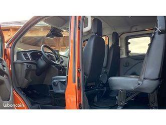 ford-custom-cabine-approfondie