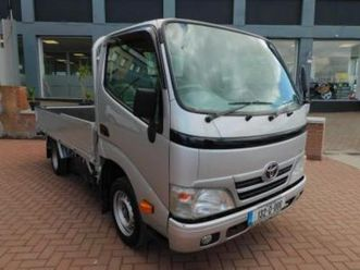 3-0-d4d-lwb-twin-wheel-pick-up-10-foot-body-immaculate-condition-price-plus-vat