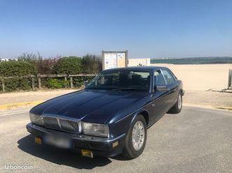 a-saisir-belle-opportunite-voiture-de-collection-daimler-bleue-xj40-3-6l-excellent-etat