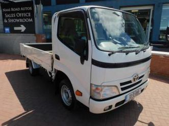 3.0 d4d lwb twin wheel pick up automatic // immaculate condition // price plus vat // 1 ye