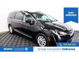 black-color-2018-chrysler-pacifica-touring-l-for-sale-in-sterling-va-20164-vin-is-2c4rc1