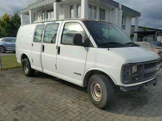 chevrolet-chevy-express-cargo-2001-gmc-savana-5l-v8