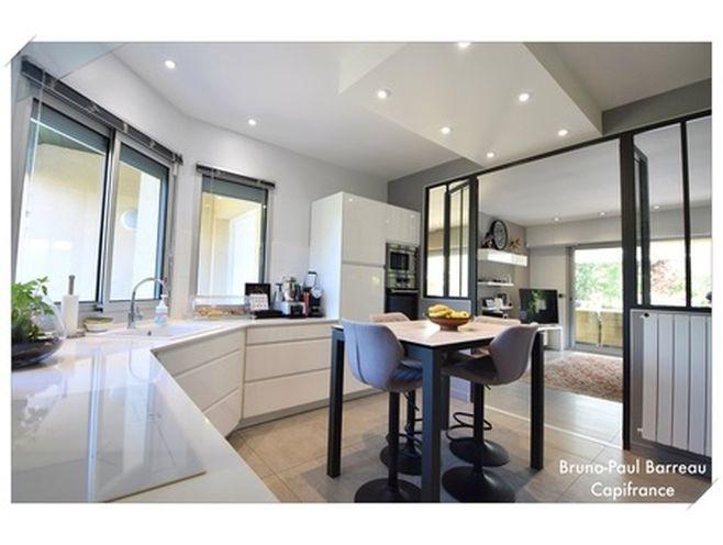 dpt gironde (33)  à vendre pessac maison p9 de 255 m² - terrain de 1759 m²