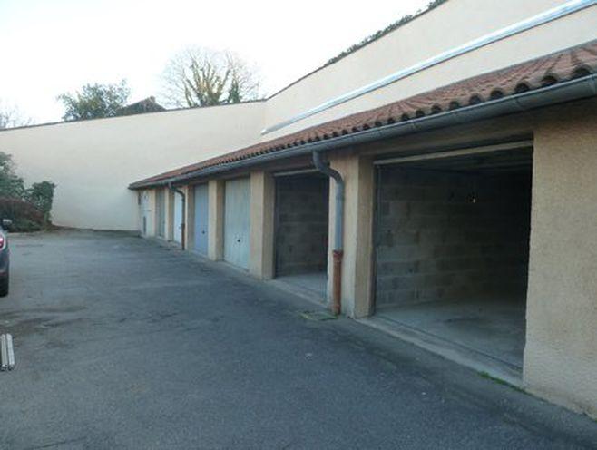 a louer garage box ferme aerien -69500 bron