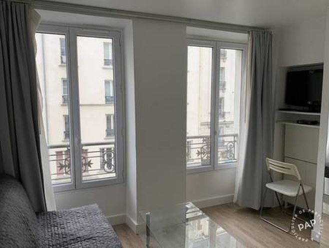location meublée studio 14 m² paris 10e - 790 €