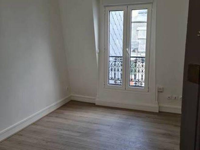 location studio 18 m² paris 14e - 810 €