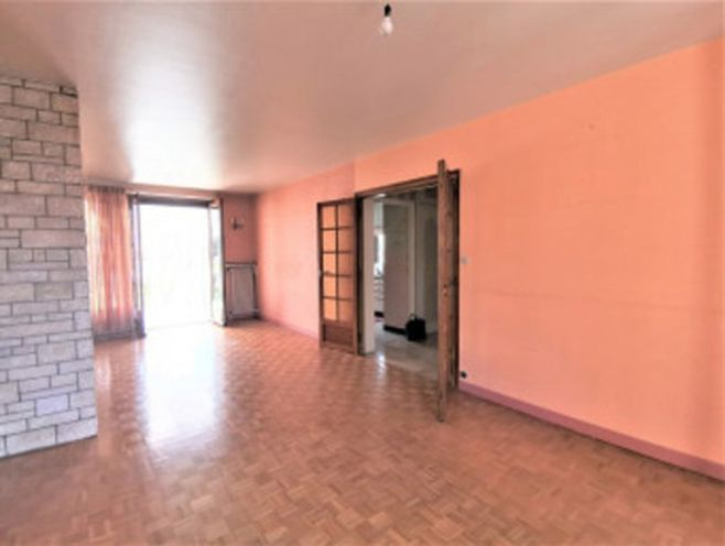 maison de 125 m2 composée: rez-de-chaussée: d'une entrée  d'un bureau  d'une salle d'eau e