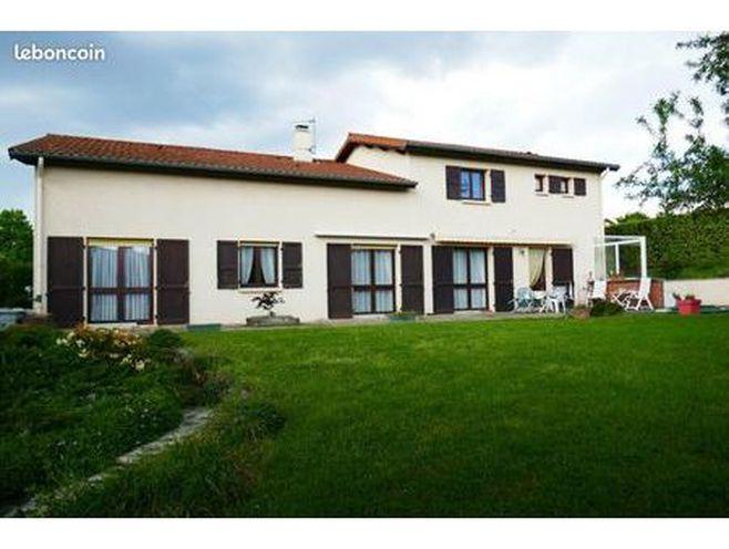 villa 10 pièces 274 m²