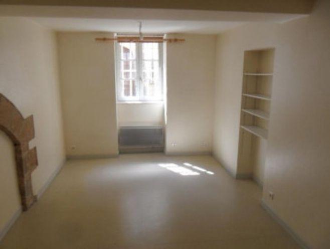 studio beaune rue thiers, au coeur de la ville. appartement de 27 m2 situé en rdc comprena